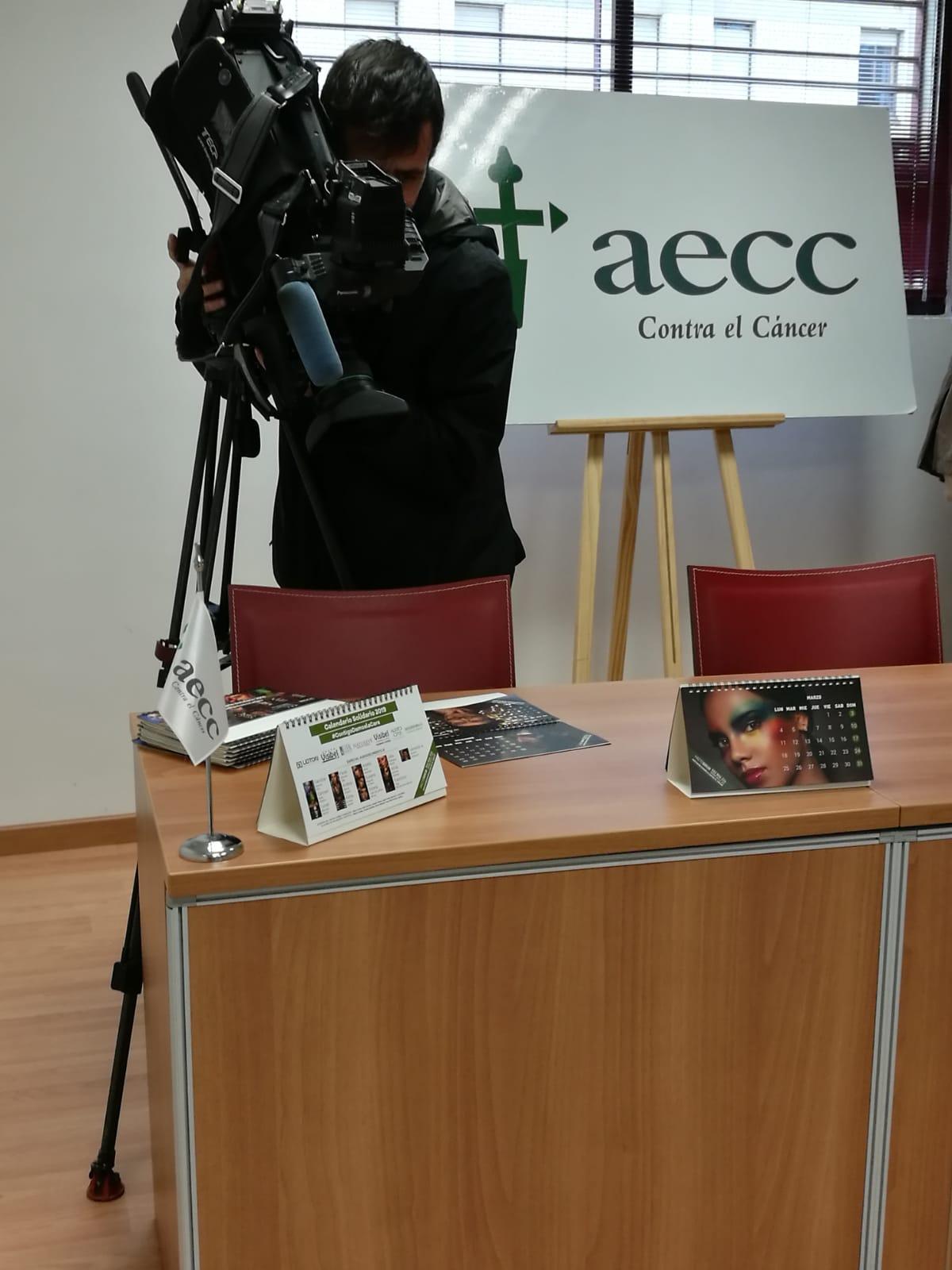 medios-prensa-calendario-solidario-aecc-grupo-visibel-badajoz